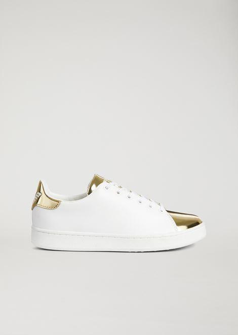 Sneakers in vera pelle con inserto laminato specchiato