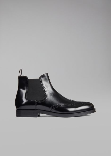 Beatles boot in brushed leather with wingtip broguing