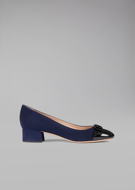 Suede leather court shoe with patent toe and logo detail