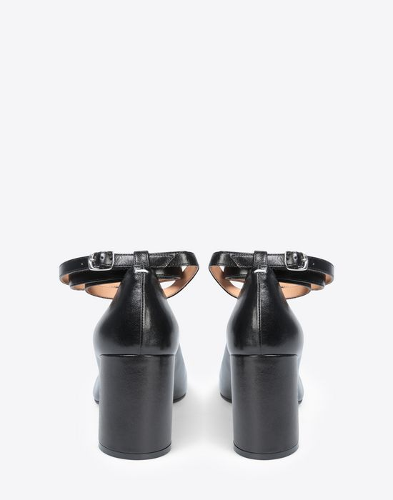 MAISON MARGIELA Black leather strapped Tabi heels Closed-toe slip-ons [*** pickupInStoreShipping_info ***] d
