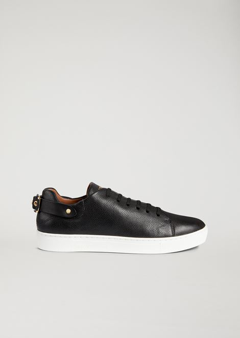 Sneaker in hammered leather with decorative strap at the back