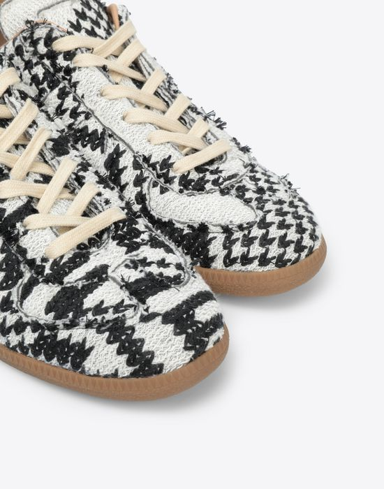 MAISON MARGIELA Printed low-top 'Replica' sneakers Sneakers [*** pickupInStoreShippingNotGuaranteed_info ***] e