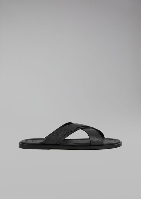 Sandals with crossover straps in leather