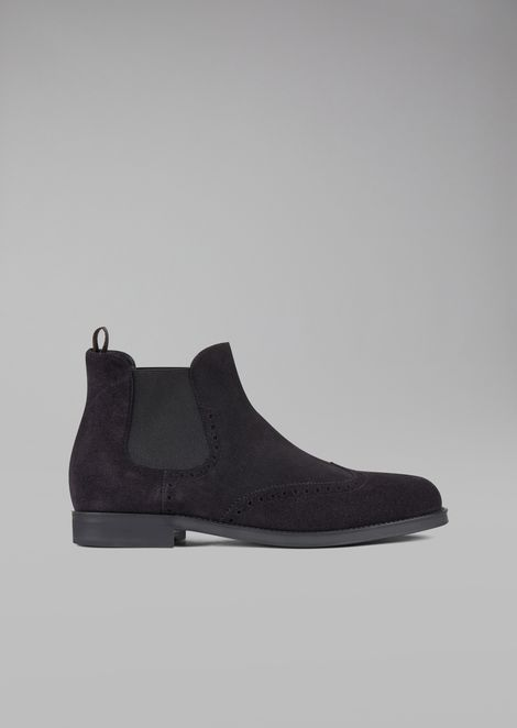 Suede Beatles boot with wingtip broguing