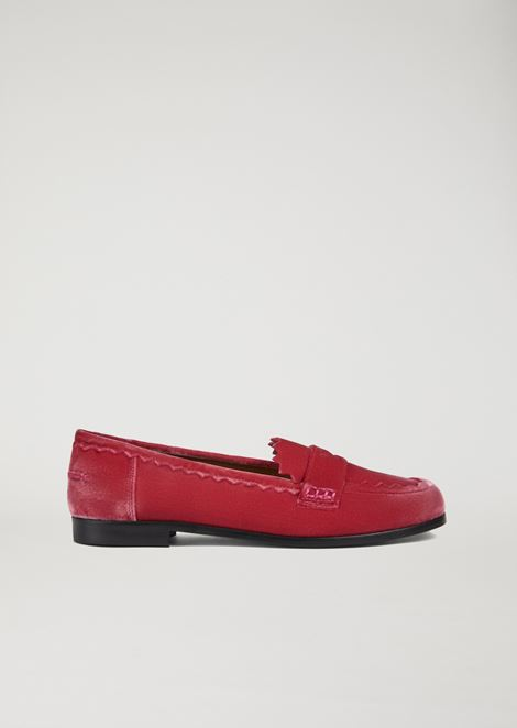 Loafer in velour with strap and shaped trim