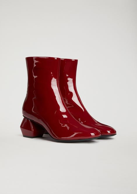 Patent leather ankle boot with hexagonal heel