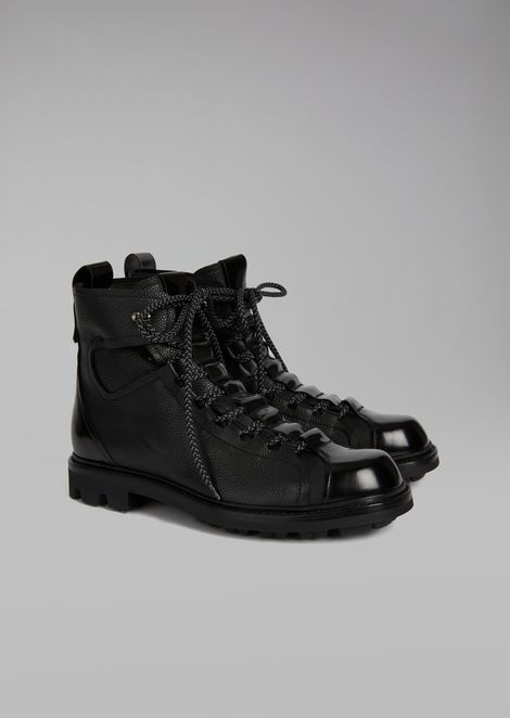Grained leather boots with smooth leather toe