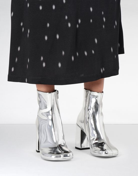 MM6 MAISON MARGIELA Silver coated leather boots Ankle boots [*** pickupInStoreShipping_info ***] b