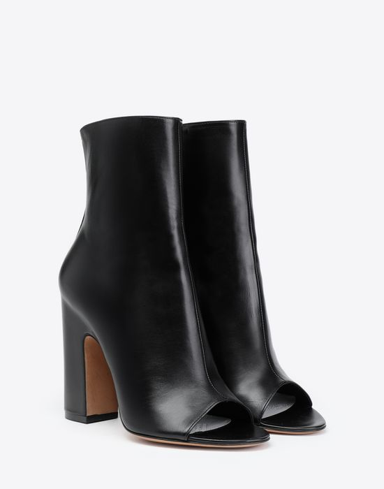 MAISON MARGIELA Open-toe heels  Ankle boots [*** pickupInStoreShipping_info ***] r