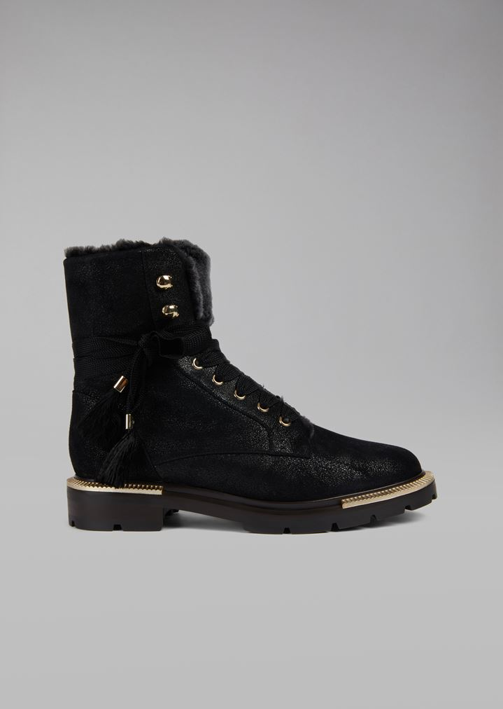 3e26f1d2e32 Boots