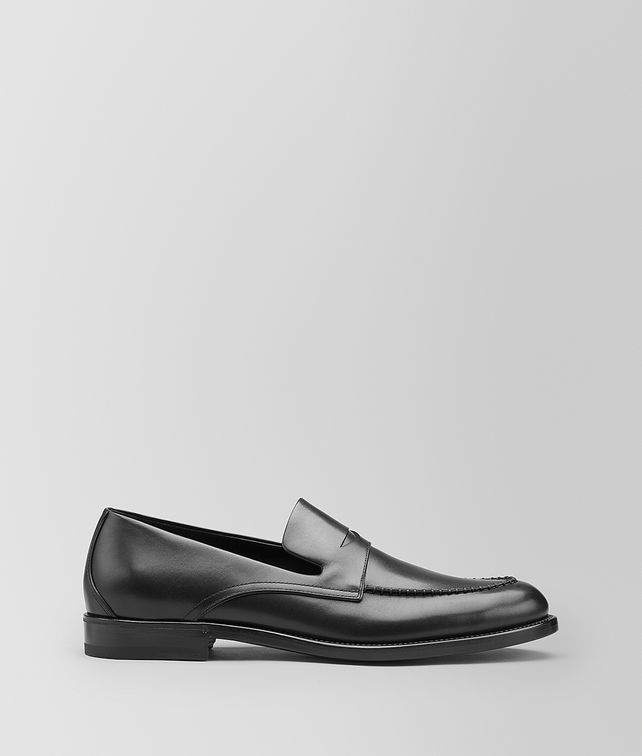 BOTTEGA VENETA LEONHARD LOAFER IN CALF Slippers and Loafers [*** pickupInStoreShippingNotGuaranteed_info ***] fp