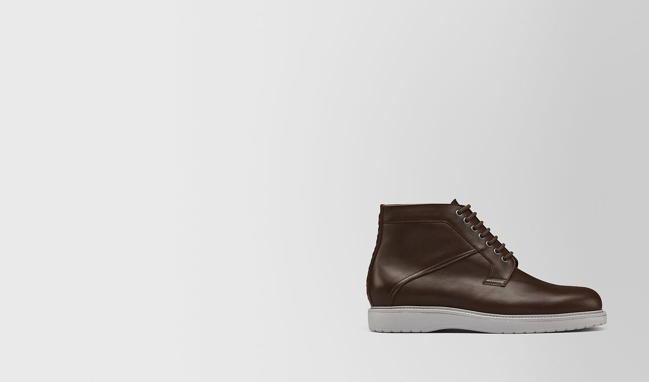 boot in calf leather  landing