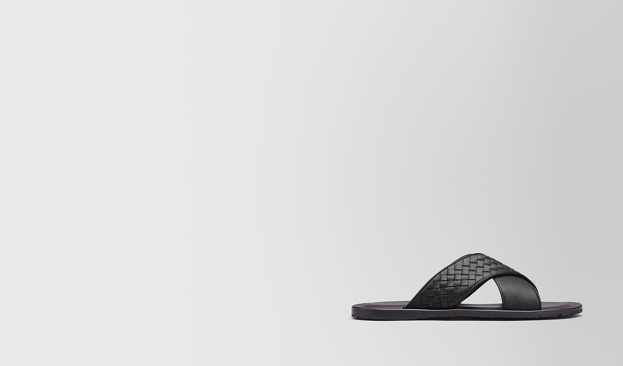 sapa crisscross sandale aus intrecciato kalbsleder  landing