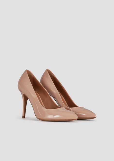 Patent leather court shoes with stiletto heel