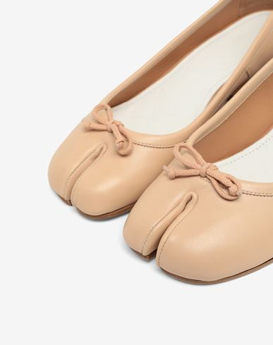 SHOES Tabi leather ballerina pumps Beige