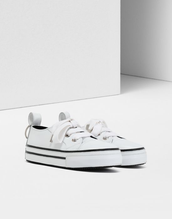 MM6 MAISON MARGIELA Keyring leather sneakers Sneakers [*** pickupInStoreShipping_info ***] r