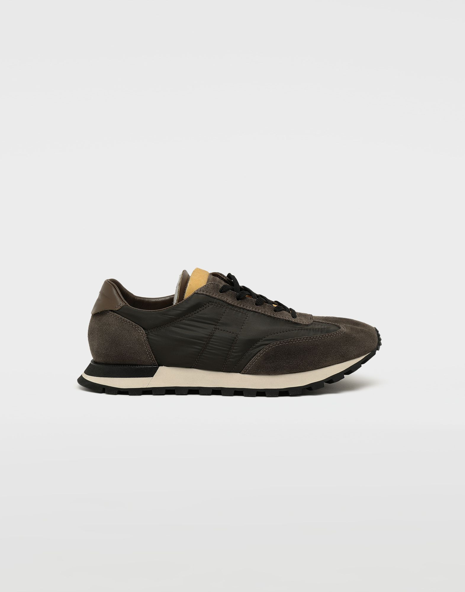 MAISON MARGIELA Dirty Treatment low top runners Sneakers Man f