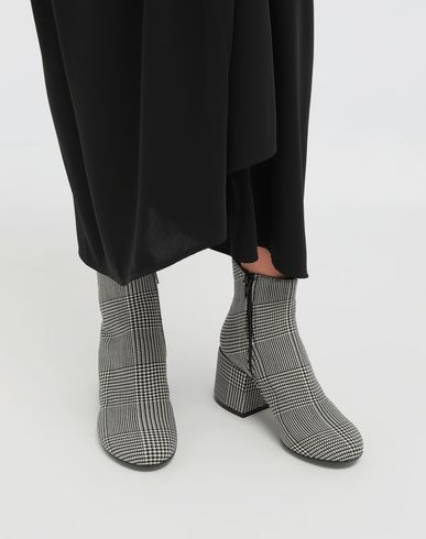 SHOES Checked ankle boots Black