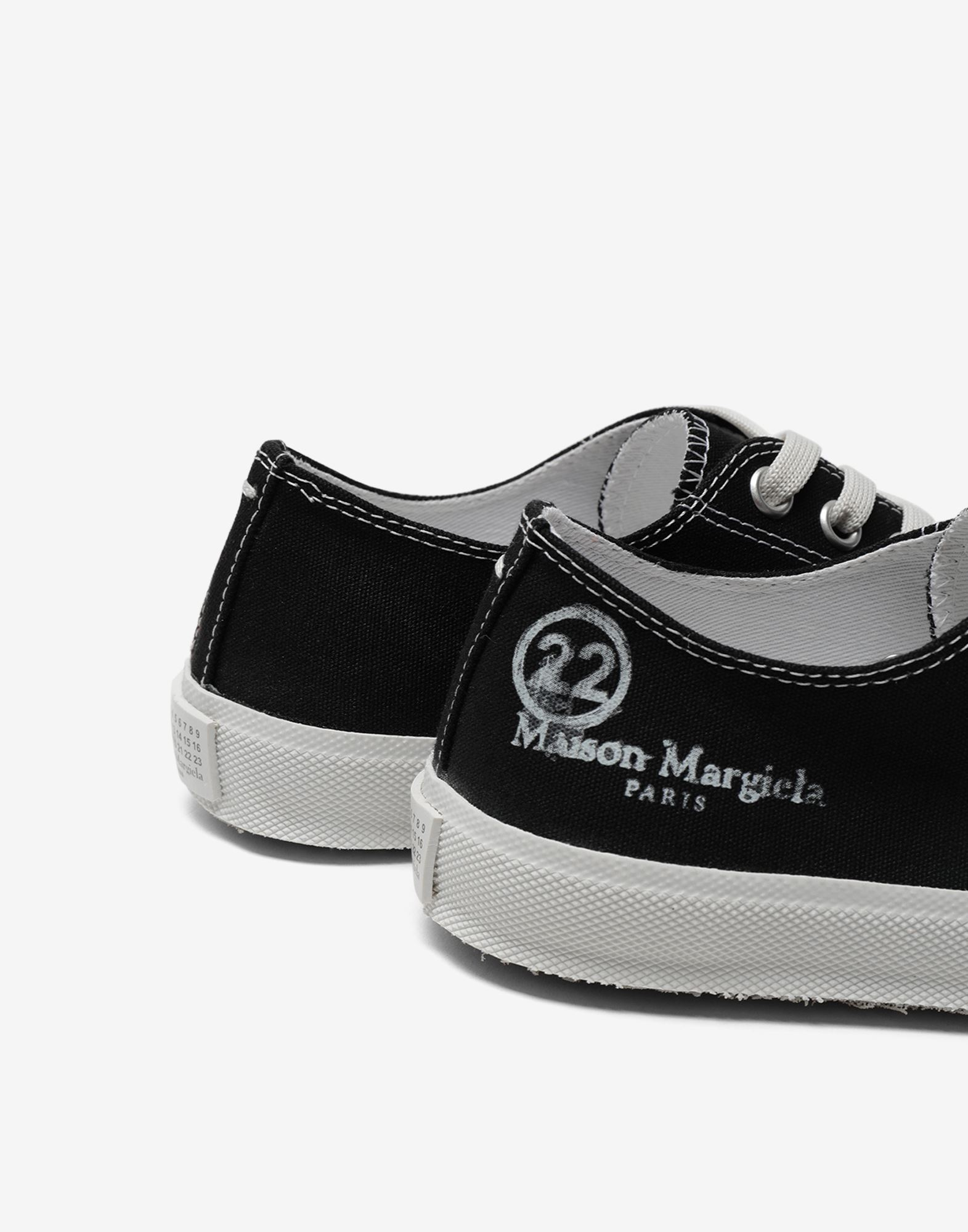MAISON MARGIELA Baskets basses Tabi en toile Sneakers Tabi Femme e