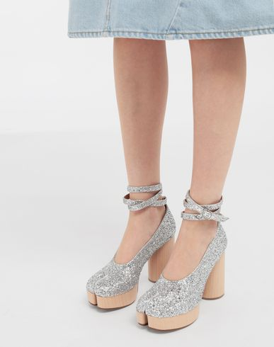 SHOES Tabi glitter leather strap sandals Silver
