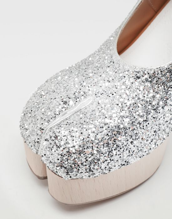 MAISON MARGIELA Tabi glitter leather strap sandals Closed-toe slip-ons [*** pickupInStoreShipping_info ***] e