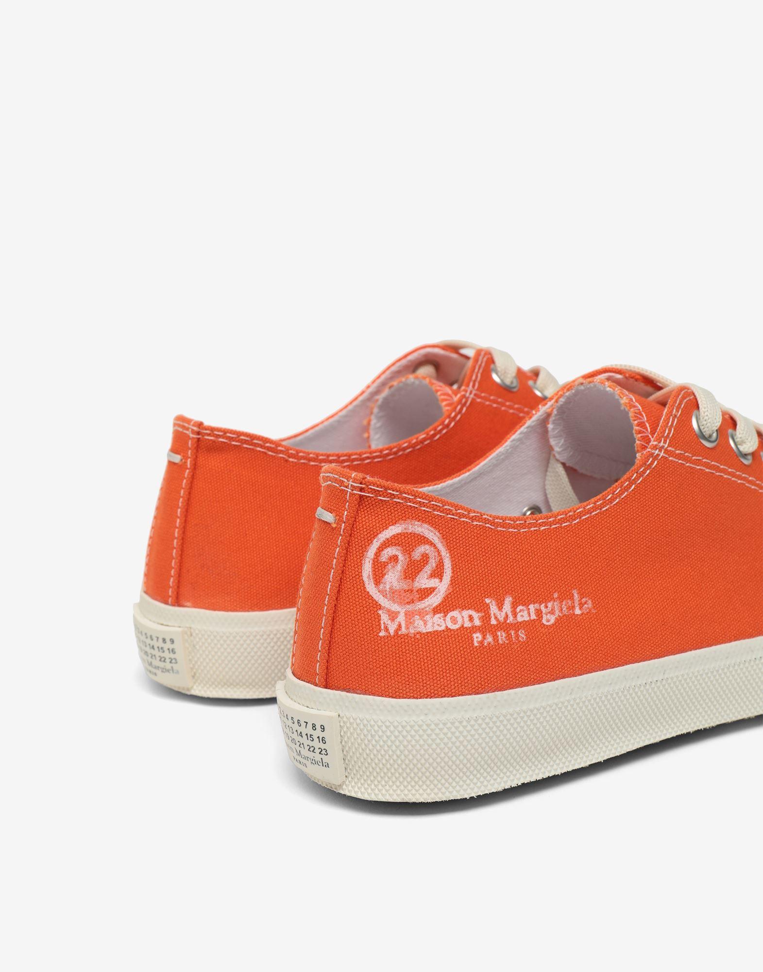 MAISON MARGIELA Низкие кроссовки Tabi из парусины Sneakers Tabi Для Женщин e