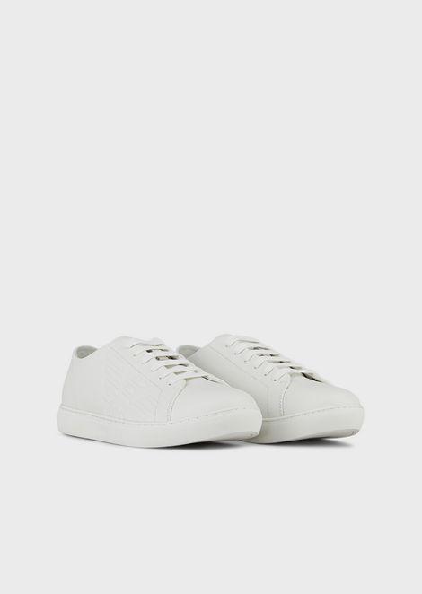 Sneakers en cuir avec logo en relief