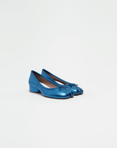 SHOES Tabi laminated leather ballerina pumps Bright blue