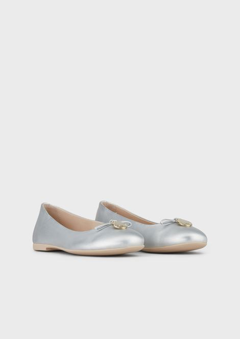 Leather ballet flats with bow and logo charm