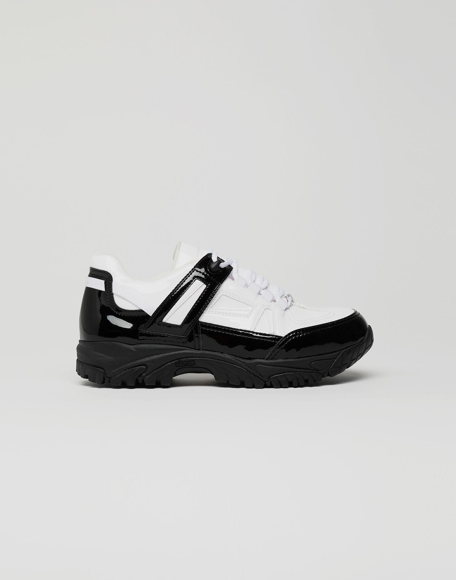 MAISON MARGIELA Sneakers Security aus Lackleder Sneakers Herren f