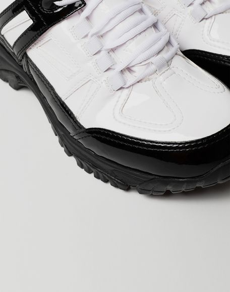 MAISON MARGIELA Sneakers Security aus Lackleder Sneakers Herren e