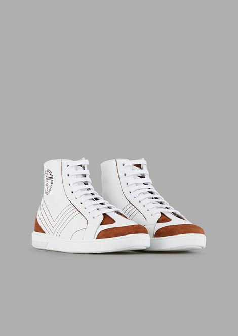 Sneakers high top in pelle con dettagli a contrasto in camoscio