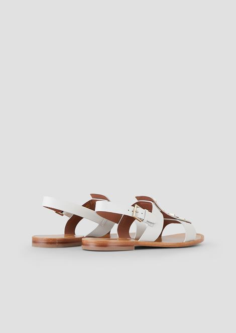 Flat sandals in leather with hexagonal gemstones