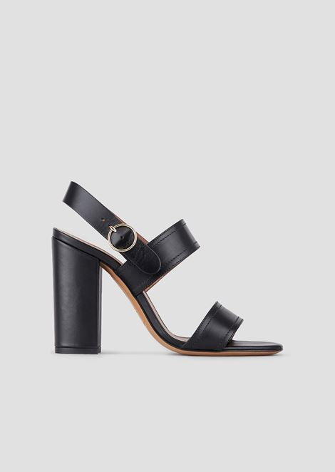 Sandals with a double band in leather and vegetable-tanned finish