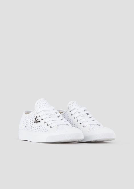 Sneakers in tela intrecciata e traforata