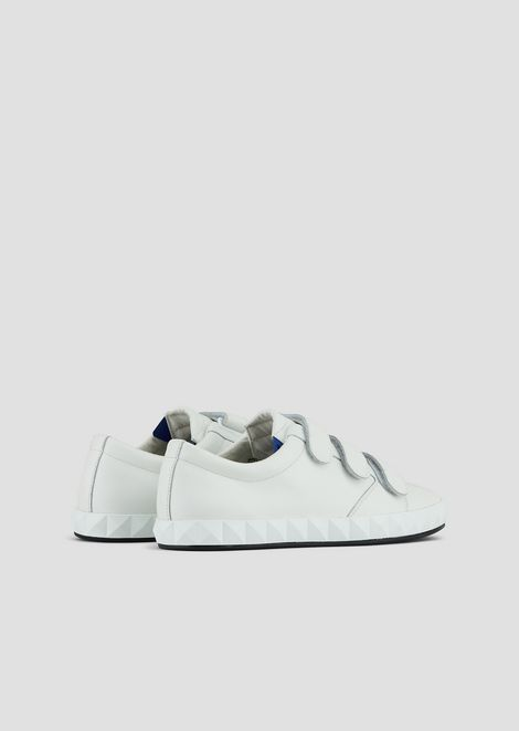 Sneakers in leather with Velcro top and three-dimen'sional sole