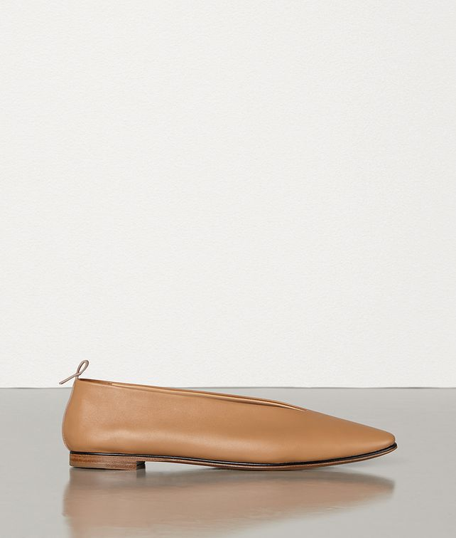 BOTTEGA VENETA ALMOND FLATS IN NAPPA DREAM Flat [*** pickupInStoreShipping_info ***] fp