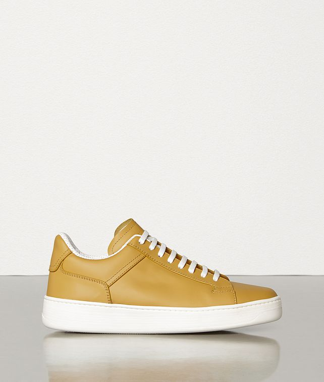 BOTTEGA VENETA SNEAKERS IN CALF LEATHER Trainers Man fp