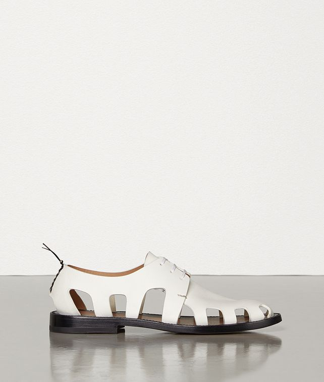 BOTTEGA VENETA LACE-UP SHOES IN STORM CUIR Flat [*** pickupInStoreShipping_info ***] fp
