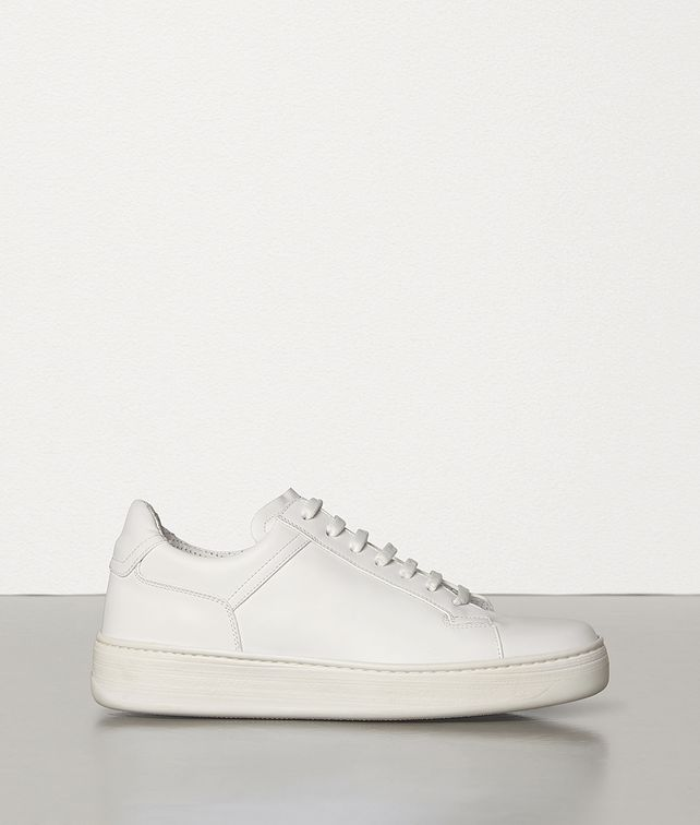 BOTTEGA VENETA SNEAKERS IN CALF LEATHER Trainers Woman fp