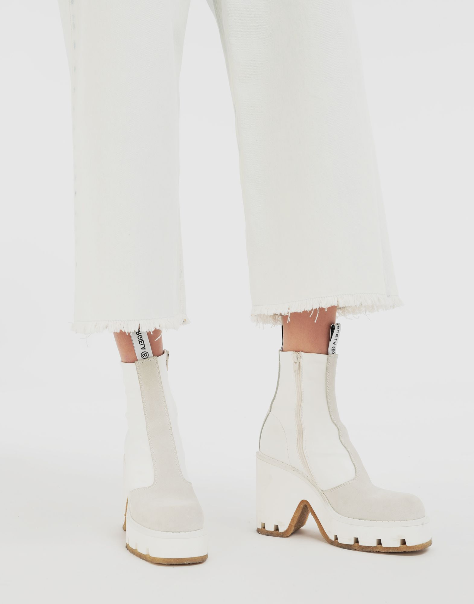 MM6 MAISON MARGIELA Textured ankle boots Ankle boots Woman r