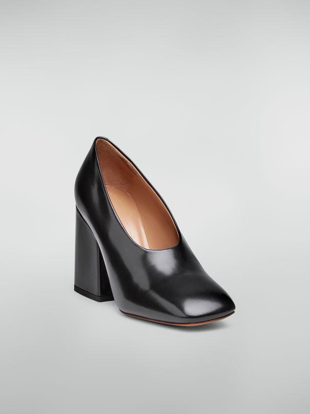 Marni Zapato de salón con corte ascendente de piel pulida negra  Mujer - 2