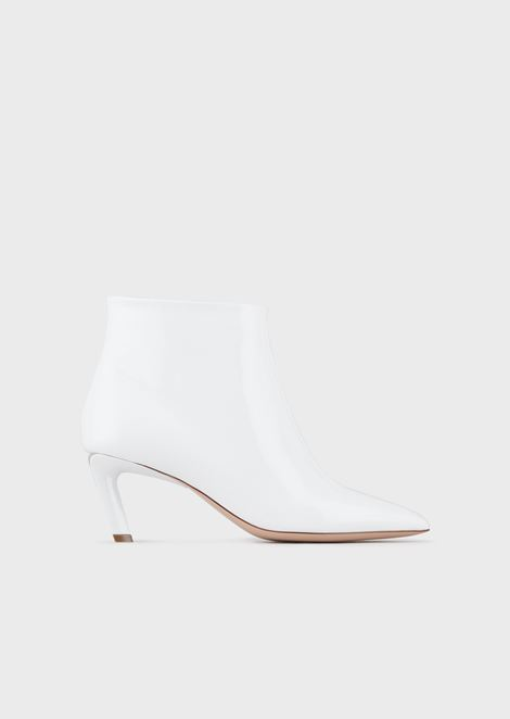 Calf leather ankle bootie woth drop heel
