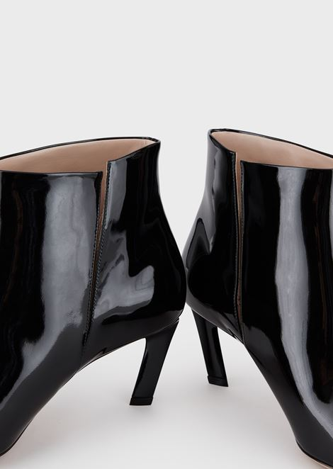 7c788a8384 Calf leather ankle bootie woth drop heel | Woman | Giorgio Armani