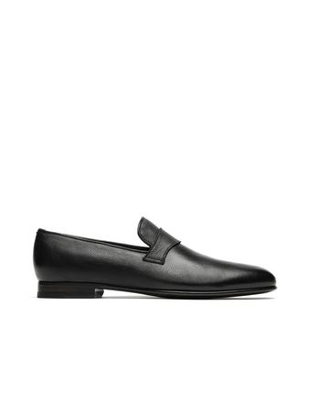 Black Footglove Loafers.