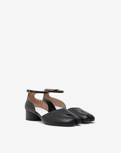 MAISON MARGIELA Ballet flats Woman Tabi ankle-strap shoes r