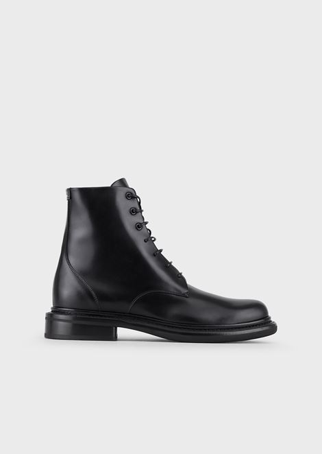 Polished leather waterproof boots