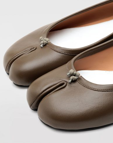 SHOES Tabi calfskin ballerinas Khaki