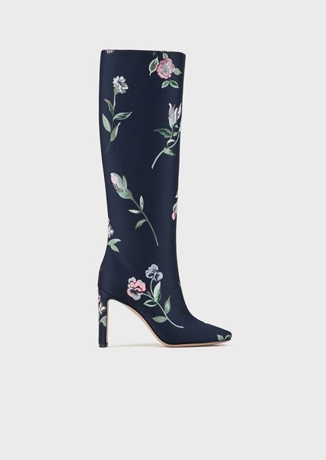 High-heeled boot with floral embroidery