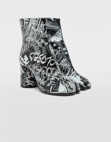 MAISON MARGIELA Graffiti Tabi boots Tabi boots & Ankle boots Woman d